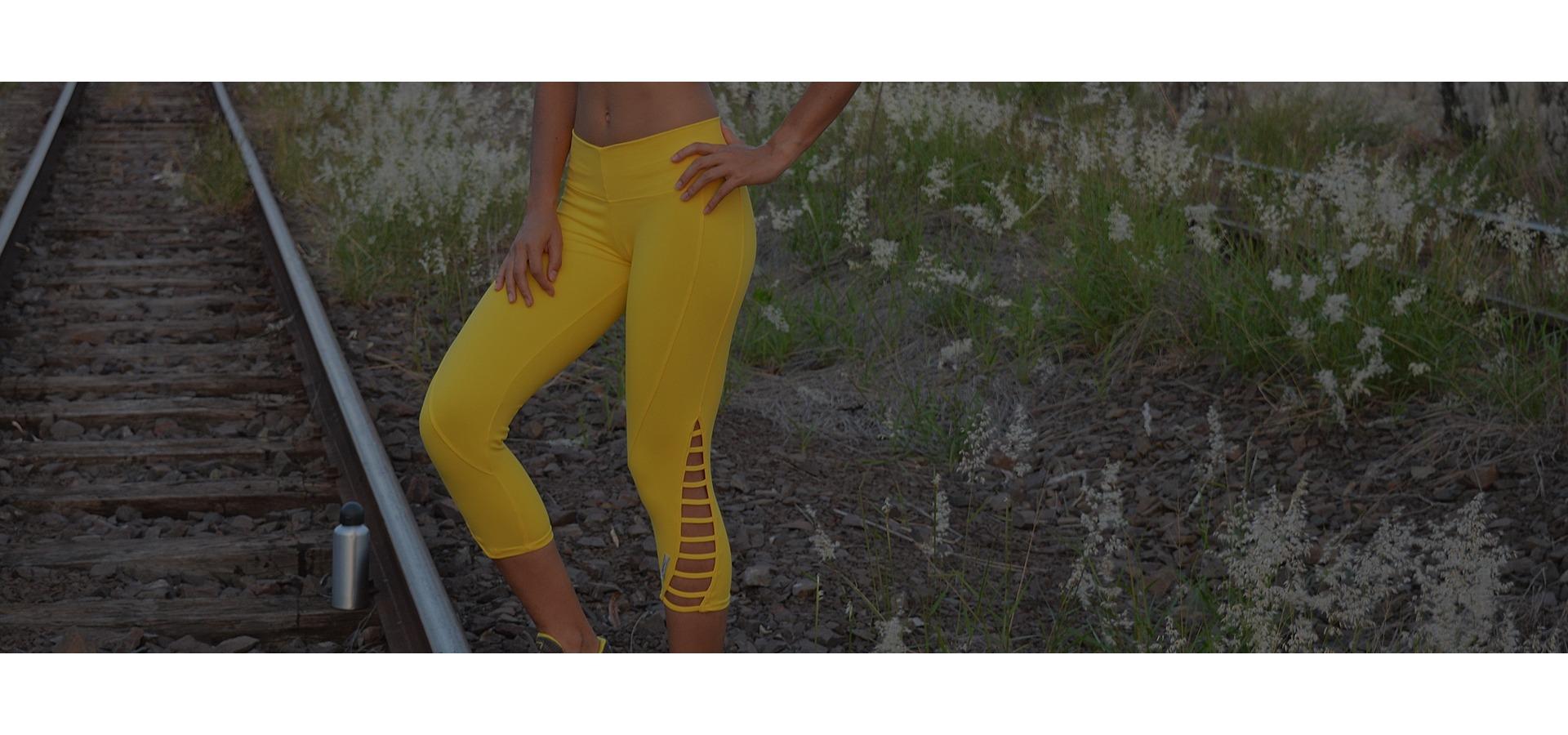 Legging fitness com tirinhas-Amarelo