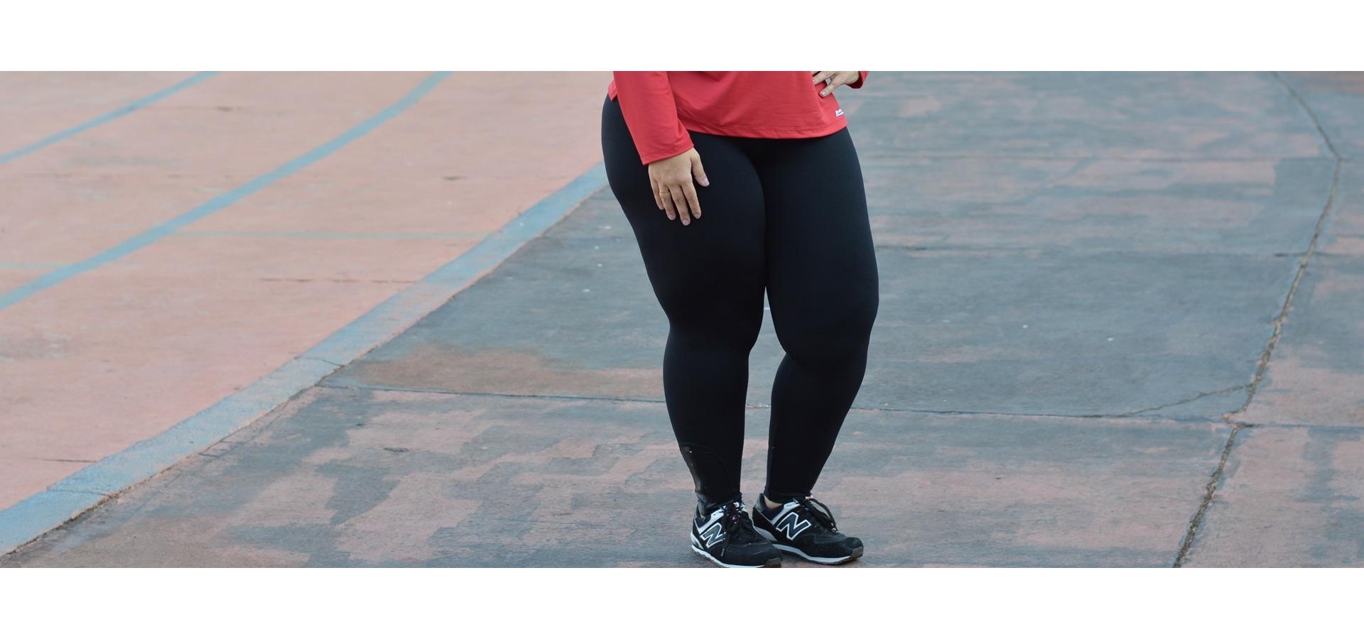 Legging longa com zíper plus size-Preto