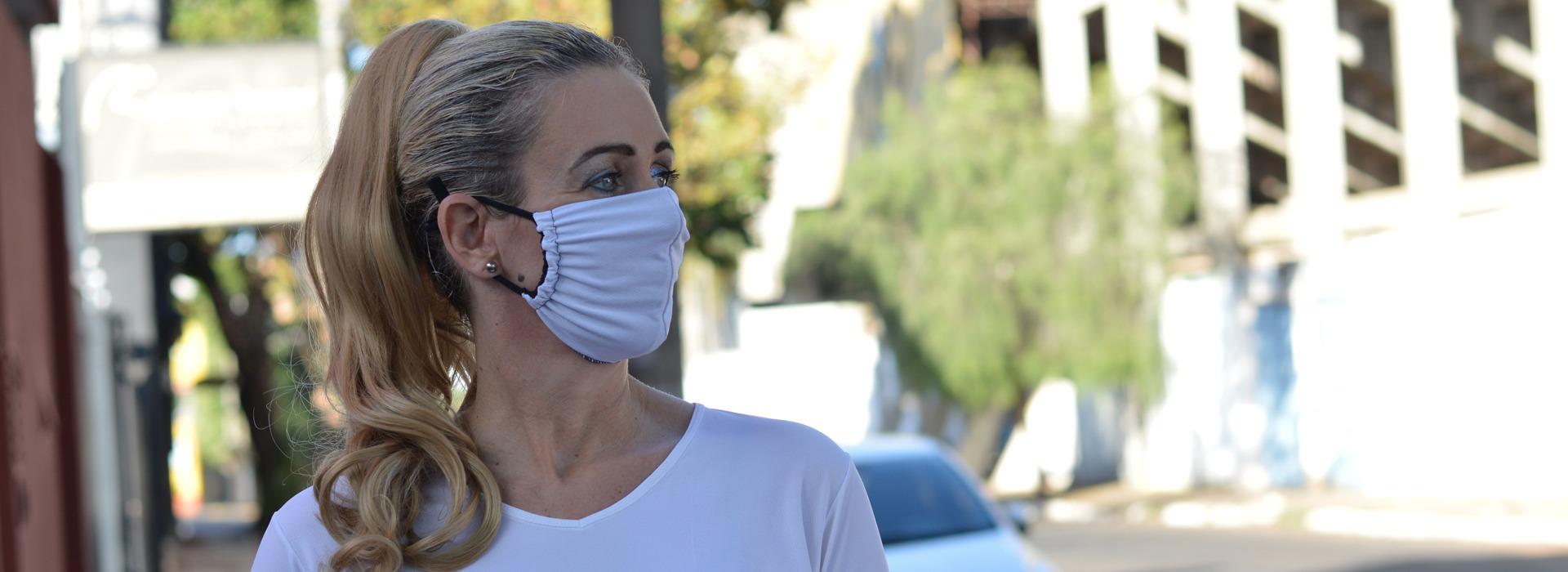 Máscara Adulto em Poliamida Lavável  dupla proteção-branco