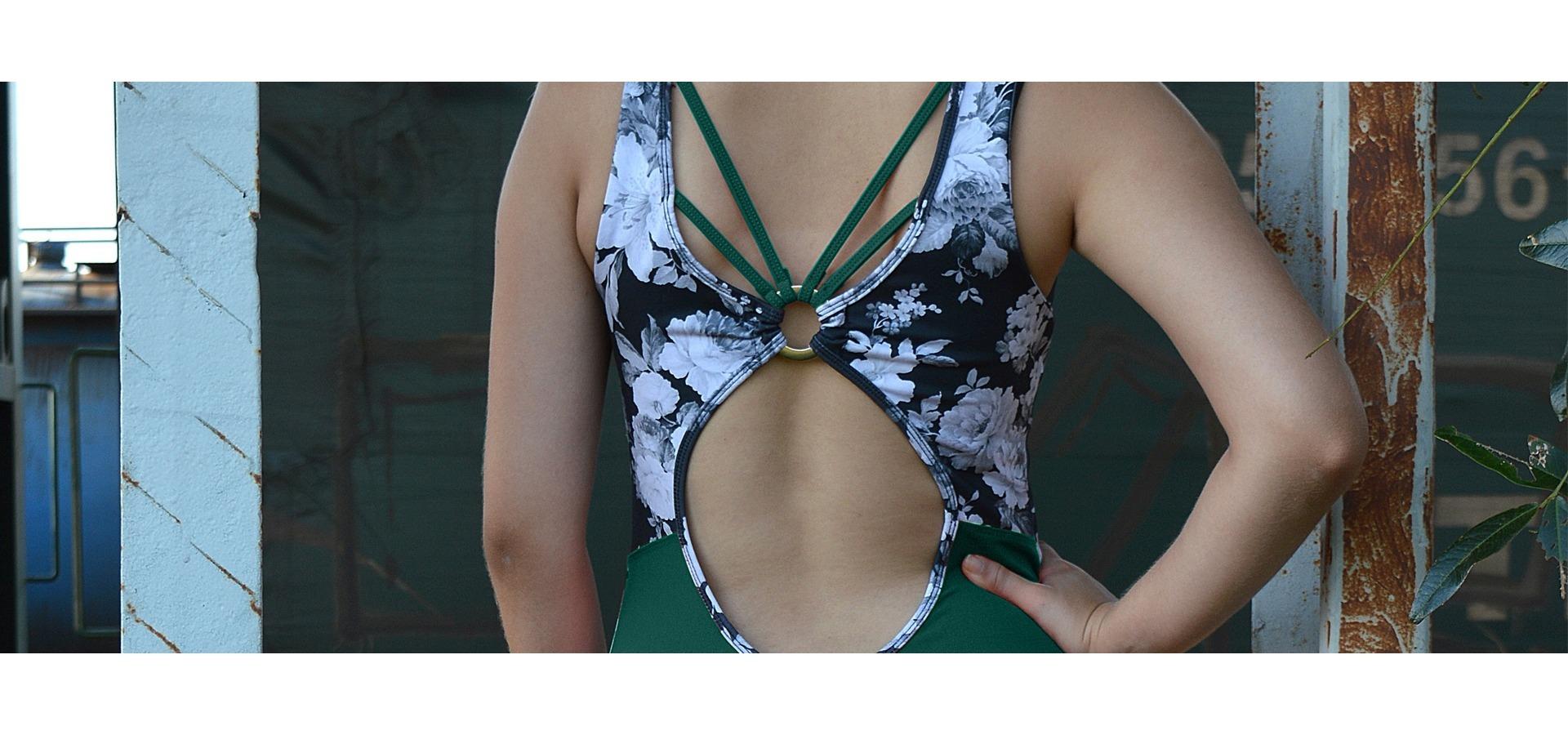 Macacão fitness com estampa e tirinhas-Verde