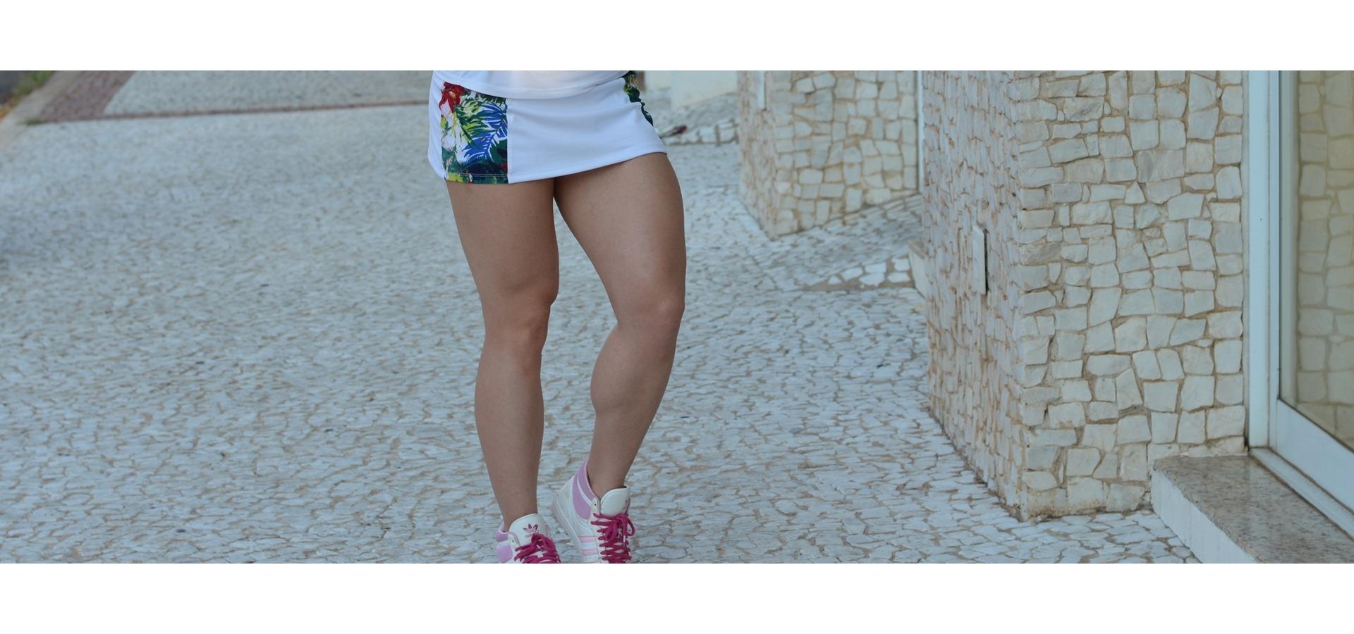 Saia short fitness com recortes estampado-Branco