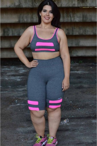 Bermuda fitness com recorte plus size-Cinza
