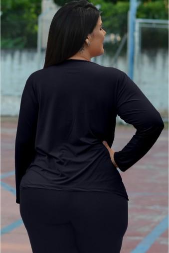 Blusa básica manga longa poliamida plus size-Preto