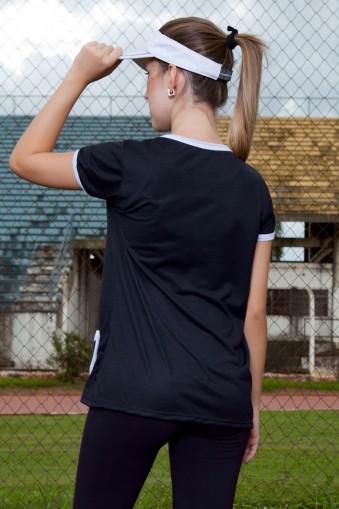 Blusa manga curta bicolor com bolso-Preto