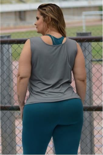 Regata poliamida ombros largos plus size-Cinza
