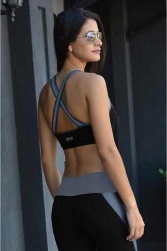 Top fitness recortes e alças cruzadas-Preto