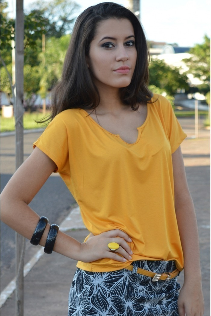 Blusa manga curta básica-Amarelo