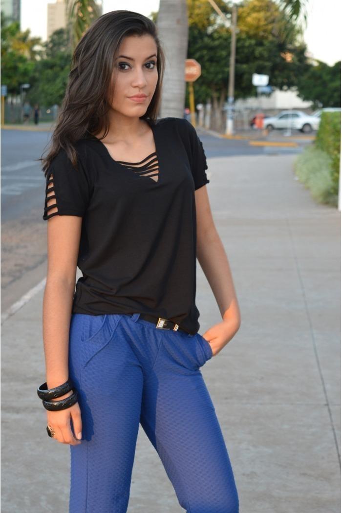 Blusa manga curta com tirinhas-Preto